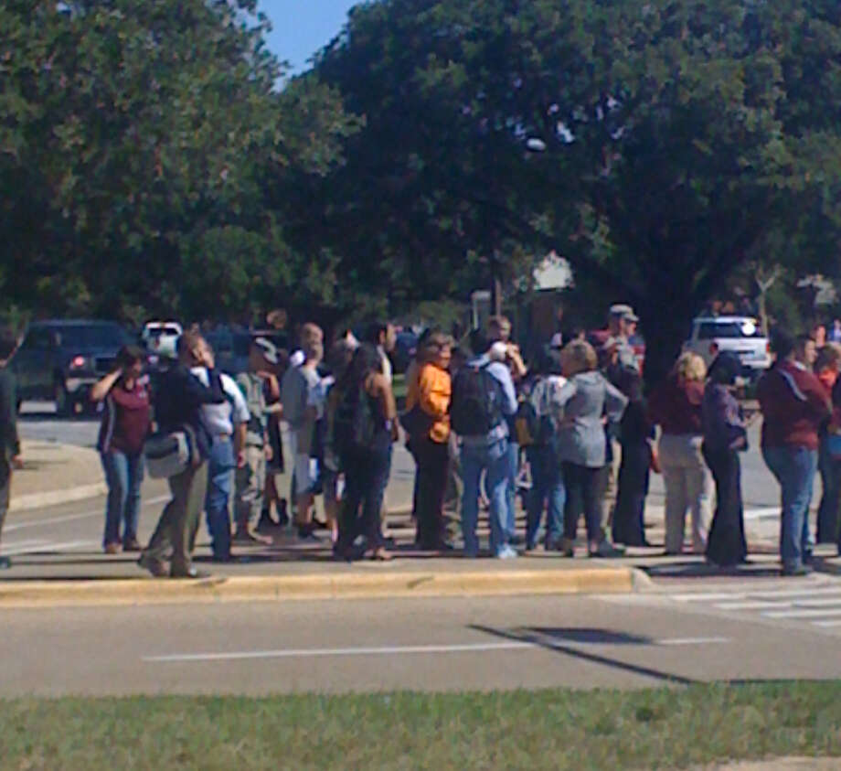 Crowd at Texas A&M after a bomb threat Friday, Oct. 19, 2012. Photo: .