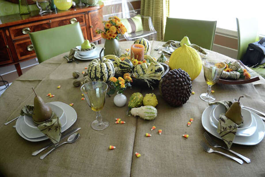 Set the perfect table using these tips from Denise Maurer of Denise Maurer Interiors. Read the story  here. Photo: Colleen Ingerto/Life@Home