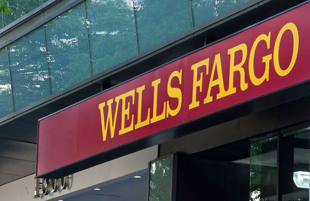 Wells Fargo customers can get their free credit report and score through Nov. 15. Photo: Nicholas Kamm, AFP/Getty Images