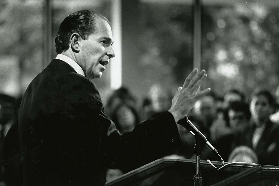 Evan Dobelle speaks after his inauguration as chancellor in November 1990. He quickly fired more than a third of City College's 71 administrators. Photo: Vince Maggiora, The Chronicle