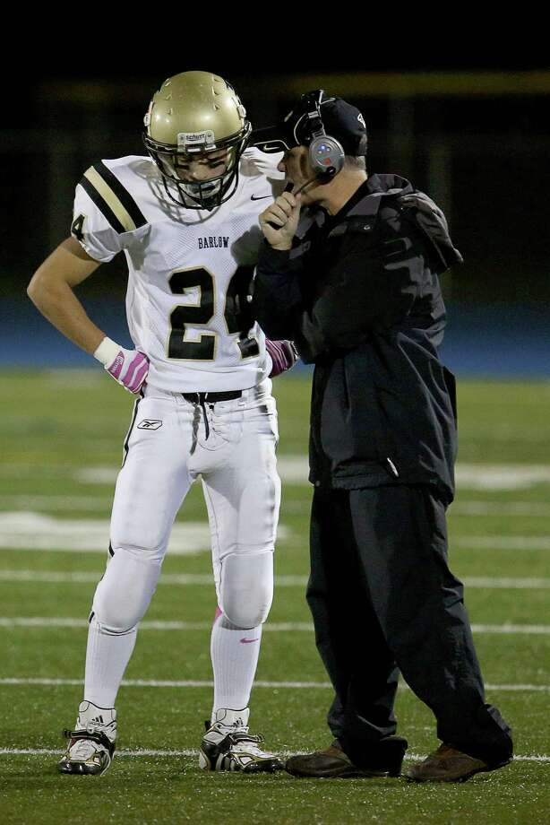 Mike Ross Connecticut Post freelance - Barlow High School's #24 Andrew Bindelglass talks with coach during timeout during Friday evening game between Bunnell High School. Photo: Mike Ross / Connecticut Post Freelance