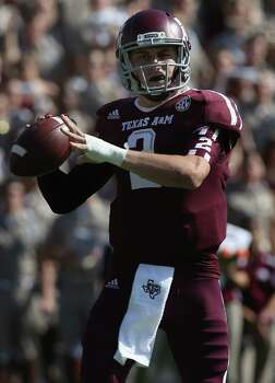 Johnny Manziel of the Texas A&M Aggies throws against the LSU Tigers at Kyle Field on October 20, 2012 in College Station, Texas. Photo: Ronald Martinez, Getty Images / 2012 Getty Images