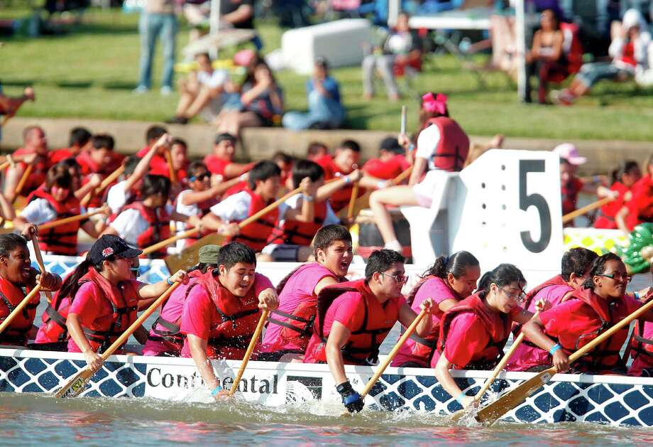 Sharpstown International School Team competes in the first round of races. Photo: Mayra Beltran, Houston Chronicle / © 2012 Houston Chronicle