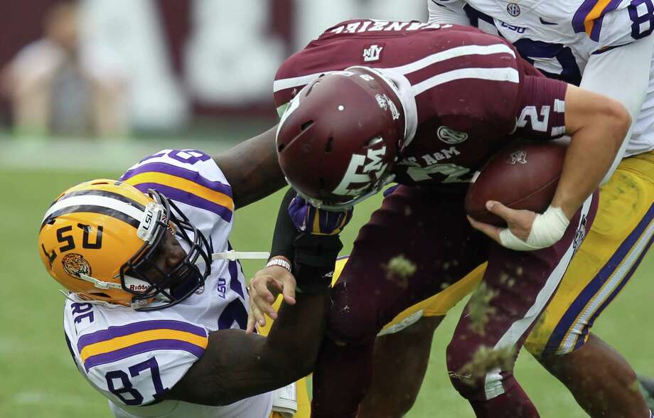 National power LSU hands Texas A&M its second loss of the season on Oct. 20, 2012, at Kyle Field. Johnny Manziel passed for 276 yards and rushed for 27 and didn't have a touchdown. Photo: Nick De La Torre, Houston Chronicle / © 2012  Houston Chronicle
