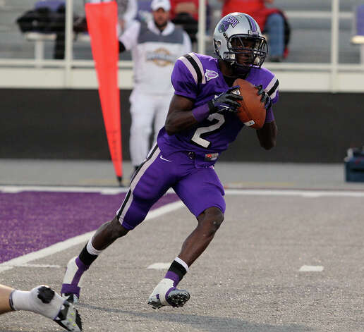 Central Arkansas receiver Jesse Grandy hauls in a pass against Lamar in a Southland Conference football game Oct. 20, 2012, in Conway, Ark. (Central Arkansas sports information)
