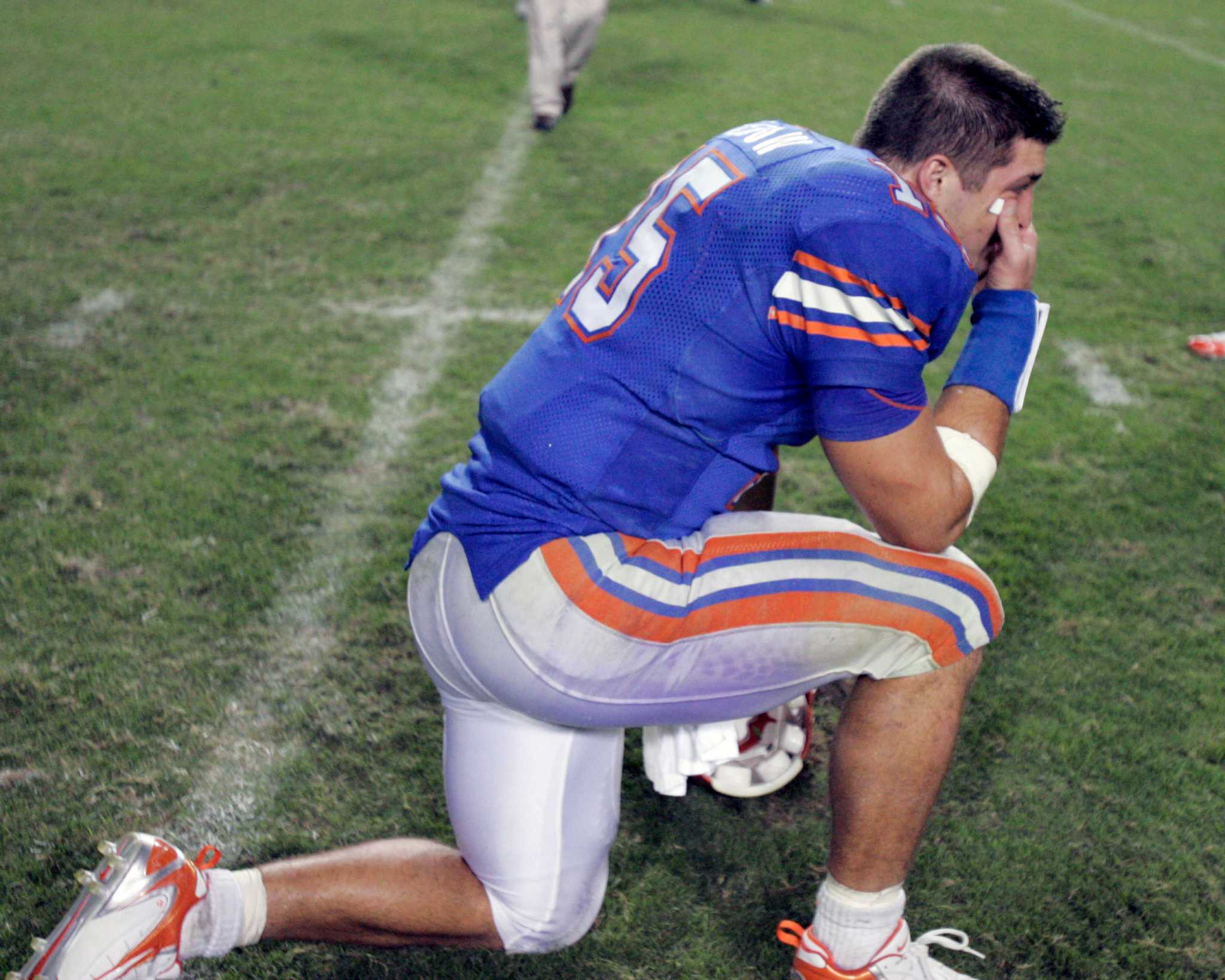 Panini readies tim tebow's first jets card