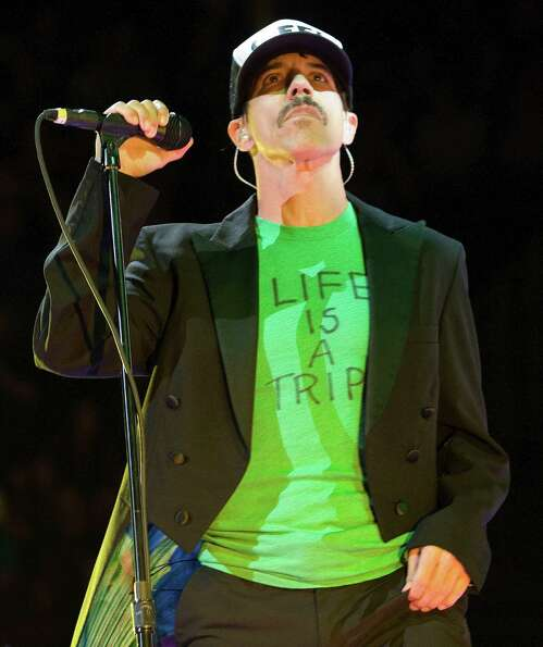Anthony Kiedis of the Red Hot Chili Peppers sing the hit song Californication at Toyota Center on Sa