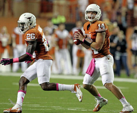 David Ash looks for receivers as Texas hosts Baylor at Darrell K Royal - Texas Memorial Stadium Stadium  on October 20, 2012. Photo: Tom Reel, Express-News / ©2012 San Antono Express-News