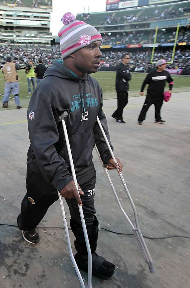 Jaguars running back Maurice Jones-Drew departed quickly after hurting his left foot. Photo: Rich Pedroncelli, Associated Press