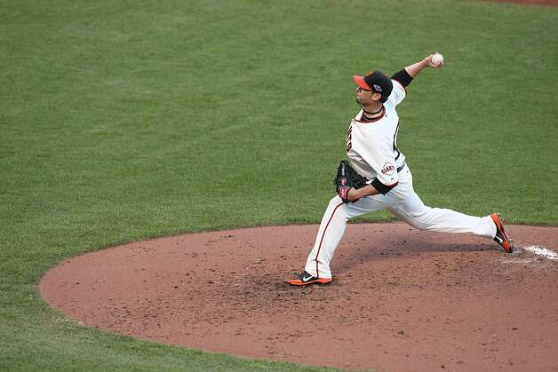 Ryan Vogelsong, emerging as the Giants' stopper this postseason, struck out nine as he again held the Cardinals to one run in seven innings. Photo: Lance Iversen, The Chronicle