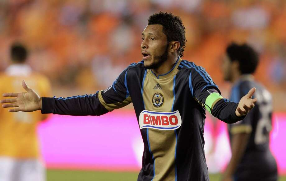 HOUSTON,TX - OCTOBER 20: Carlos Valdes #2 of the Philadelphia Union motions to the side judge in the second half against the Houston Dynamo at BBVA Compass Stadium on October 20, 2012 in Houston, Texas. Houston won 3-1. Photo: Bob Levey, Getty Images / 2012 Getty Images