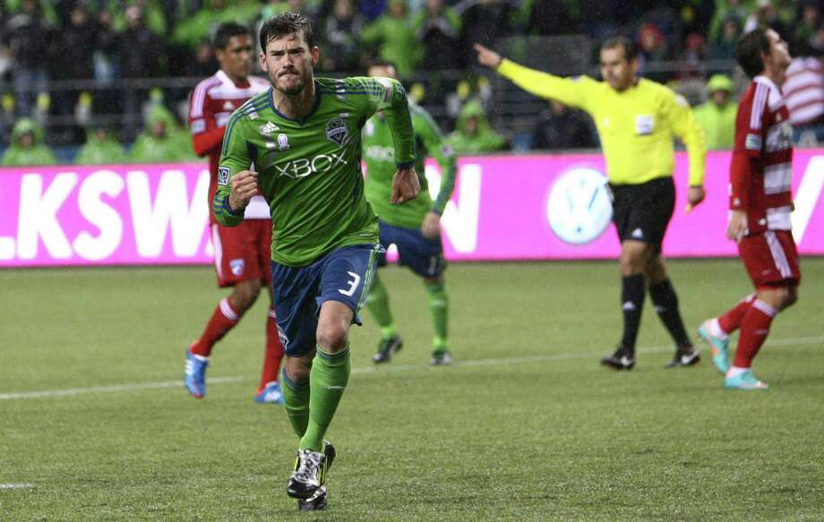 Sounders player Brad Evans reacts after scoring a goal on a penalty kick against FC Dallas in the first half. Photo: JOSHUA TRUJILLO / SEATTLEPI.COM