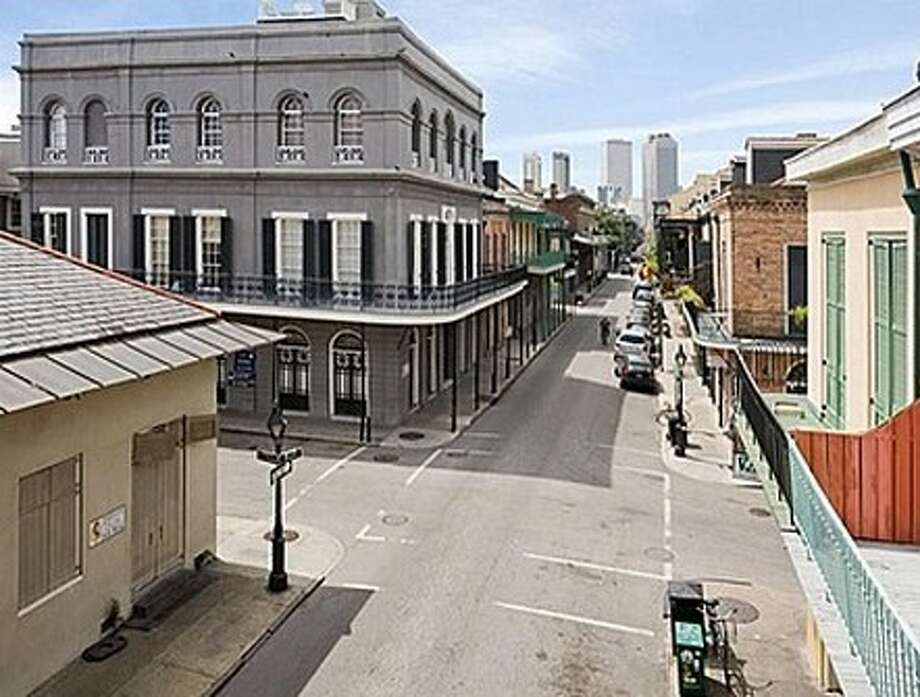 La Laurie Mansion in New Orleans (Zillow.com/ Google maps)