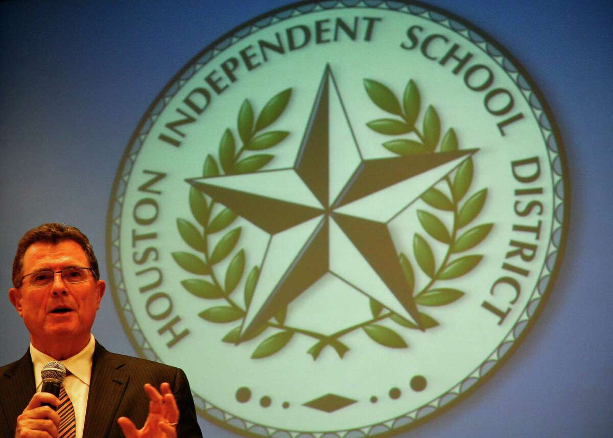 Terry Grier makes a statement after the Houston school board announced their decision to officially hire him as the new HISD superintendent, 2009.