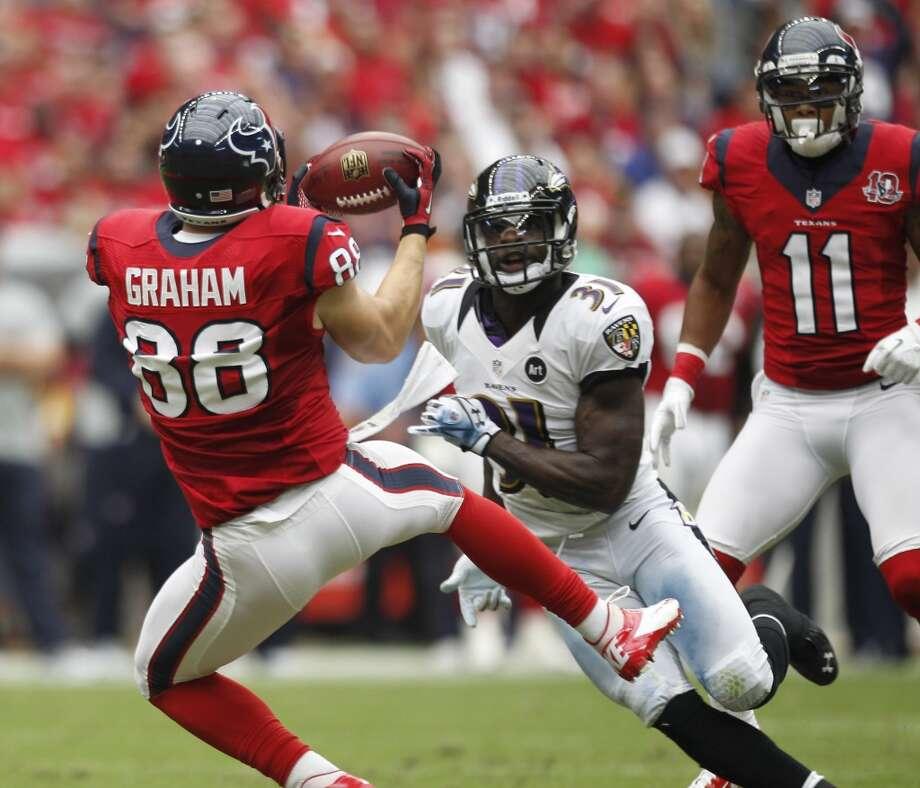 Houston Texans tight end Garrett Graham makes a catch during the second quarter. (Brett Coomer / Houston Chronicle)