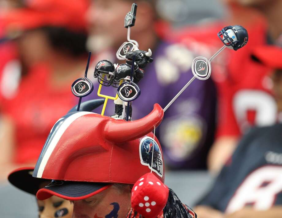 A Texans fan's hat is seen during the first quarter. (Nick de la Torre / Houston Chronicle)