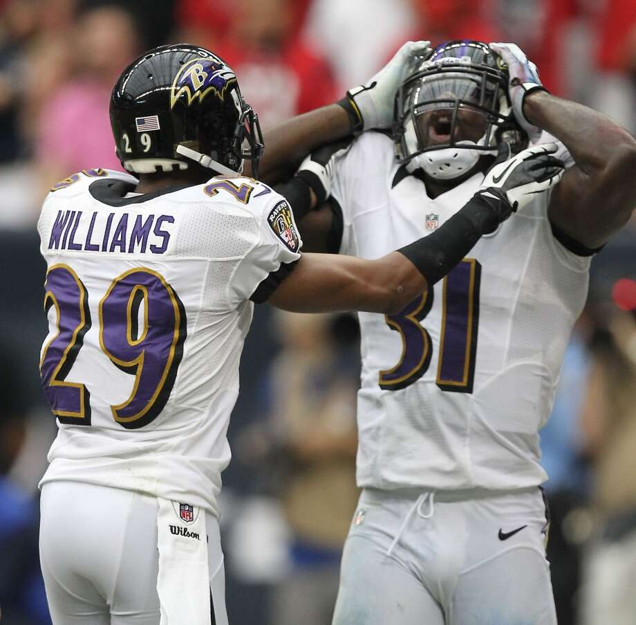 Ravens strong safety Bernard Pollard (31) reacts after his second personal foul during the second quarter. (Nick de la Torre / Houston Chronicle)