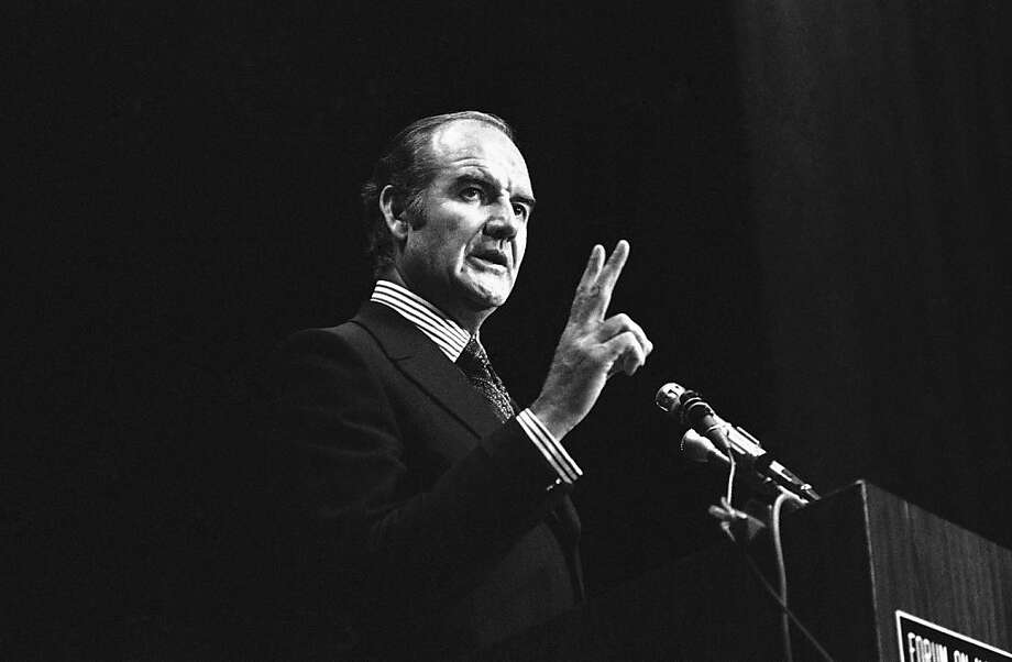 Sen. George McGovern speaks at the University of the Pacific in Stockton in 1971. Photo: Walt Zeboski, Associated Press
