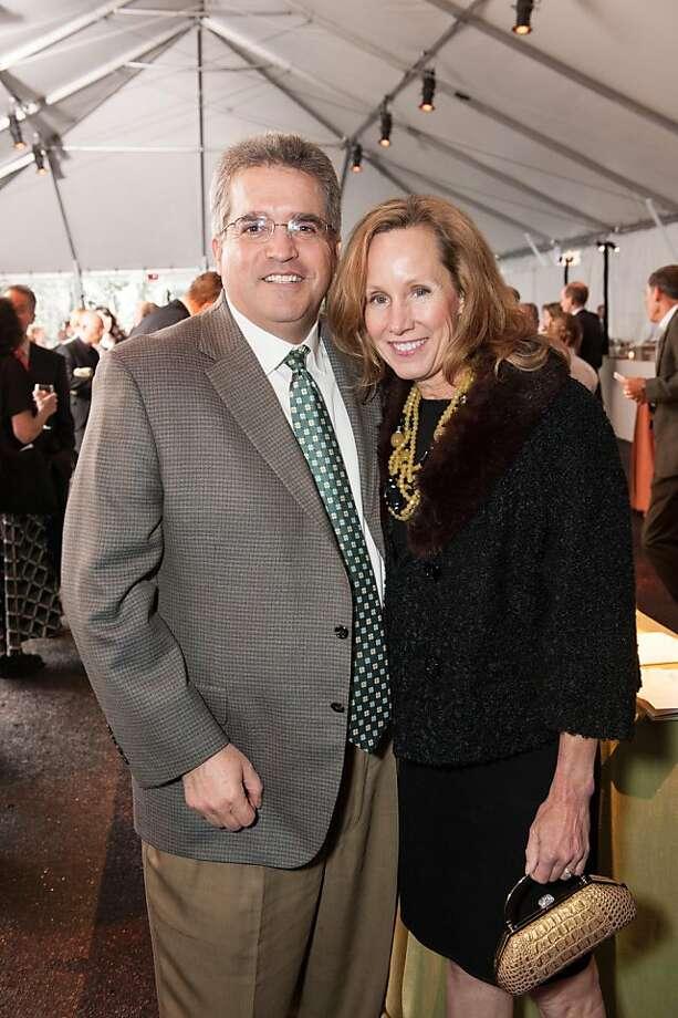 Steve Lowentha and Mary Jane Lowenthal. Photo: Drew Altizer Photography