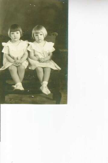 Twins and best friends Bettye Lou and Billye Sue Middleton in Melvin, Tex., in 1936 when they were 5