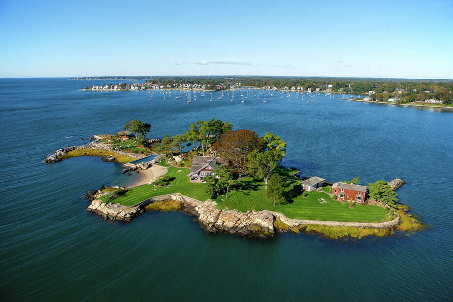 Tavern Island in Norwalk is for sale for $12,900,000. Photo: Contributed Photo / Stefen Turne