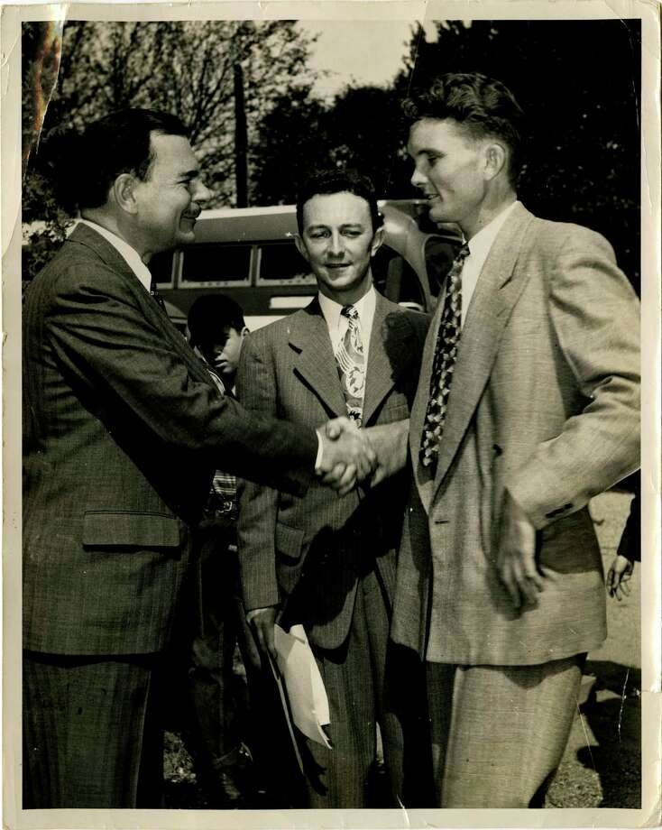 1948:Thomas Dewey (left, shaking Leon Hale's hand), Republican, lost to Harry S. Truman Photo: Leon Hale Papers,  Courtesy Of Special Collections,  University Of Houston Libraries