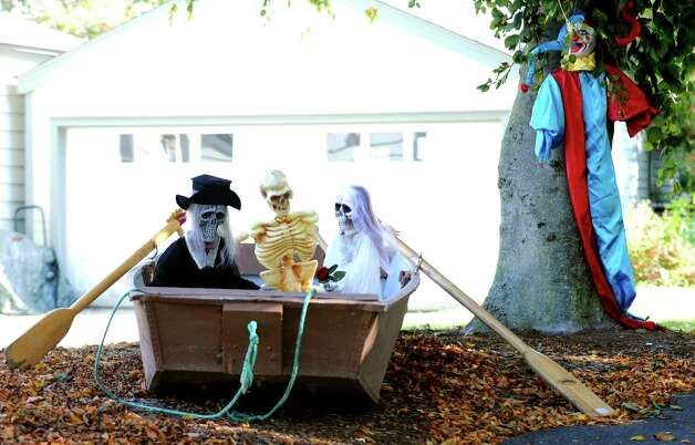 Halloween decorations on Riverside Drive in Fairfield, Conn. on Tuesday, Oct. 23, 2012. Photo: Cathy Zuraw / Connecticut Post