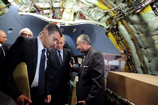 French Prime minister Jean-Marc Ayrault visits  an Airbus A350 XWB on the final assembly line in Toulouse, France, Tuesday Oct. 23, 2012. Photo: POOL, AFP/Getty Images / 2012 AFP