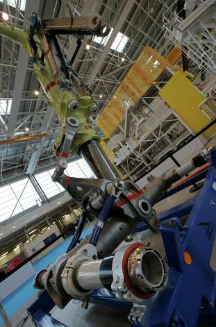The landing gear of the first Airbus A350 XWB is shown  on the final assembly line in Toulouse, France, Tuesday Oct. 23, 2012. Photo: AP