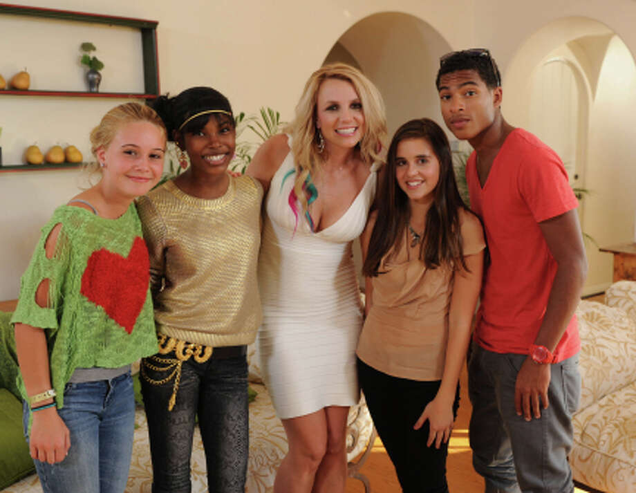 Team Britney Spears. Teens. (                                                      )