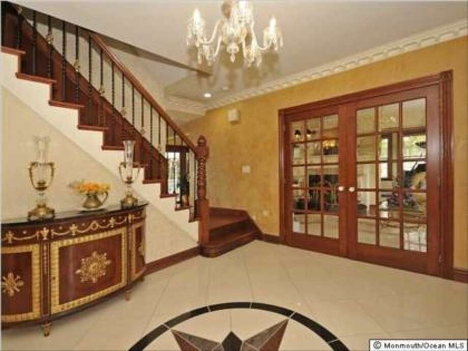 Price has been slashed to $935,000 from $1.45 million (Trulia.com)