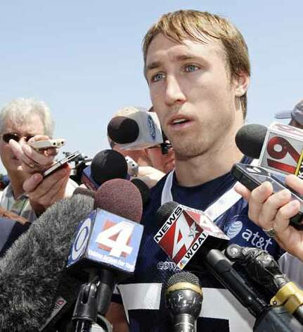 Dallas Cowboys linebacker Sean Lee answers questions from the media after practice during the first day of the 2012 training camp Monday July 30, 2012 in Oxnard, CA. Photo: Edward A. Ornelas, San Antonio Express-News / © 2012 San Antonio Express-News