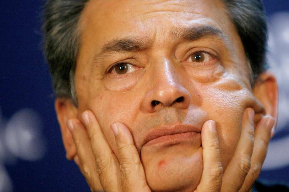 Rajat Kumar Gupta, a former Goldman-Sachs director and Westport resident, surrendered to federal authorities Wednesday, Oct. 26, 2011 in New York to face criminal charges stemming from a massive hedge fund insider trading case. Photo: ALESSANDRO DELLA BELLA, Associated Press / AP2009