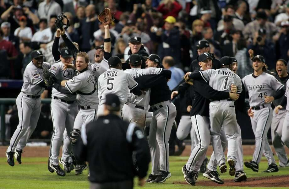The Chicago White Sox celebrate their first World Series win since 1917. (Steve Ueckert / Chronicle)