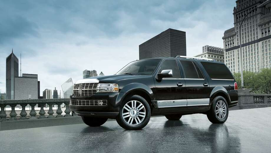 Finally, here are two U.S. luxury SUVs. The Lincoln Navigator comes with a starting price of $57,775. Photo: Lincoln