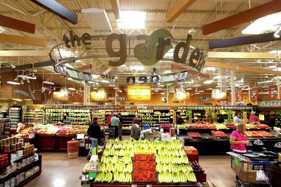 The produce section of the new Kroger is shown on Studemont Wednesday, Oct. 24, 2012, in Houston. The signature grocery store is scheduled to open October 26. Photo: Brett Coomer, Houston Chronicle / © 2012 Houston Chronicle