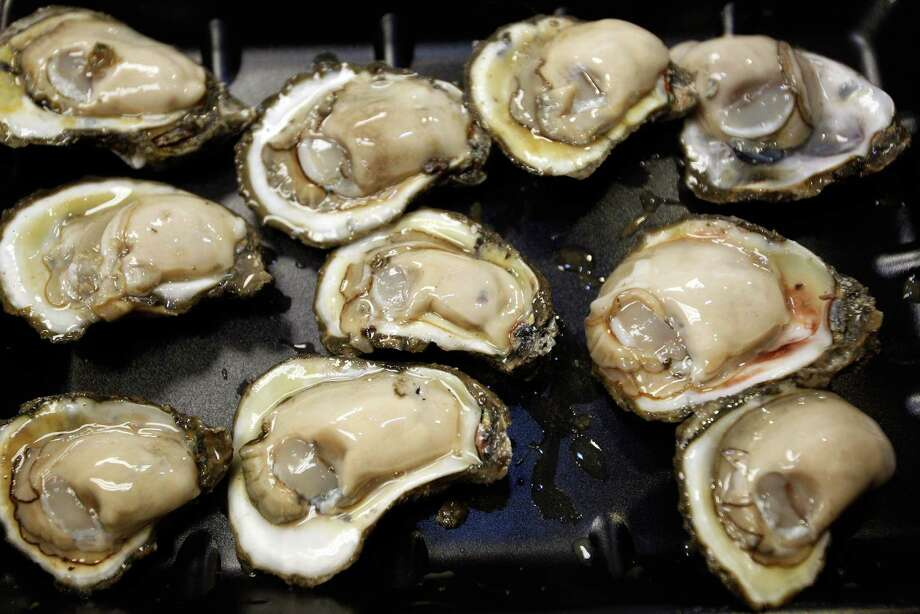 "TRUE OR FALSE: Only eat and harvest shellfish in months that have the letter ""r."" Photo: Chris Graythen, . / 2010 Getty Images"