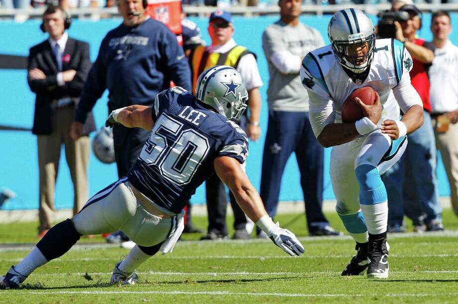 Cowboys linebacker Sean Lee (50) tore ligaments in his right toe in Sunday's 19-14 win over Cam Newton and the Carolina Panthers, meaning Dallas has lost its leading tackler for the rest of the season. Photo: Chuck Burton / AP