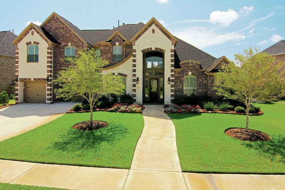 28502 Wild Mustang | $450,000 | Heritage Texas Properties | Agent: Clarann McCoy | 281.493.3880 | Photo: HTP