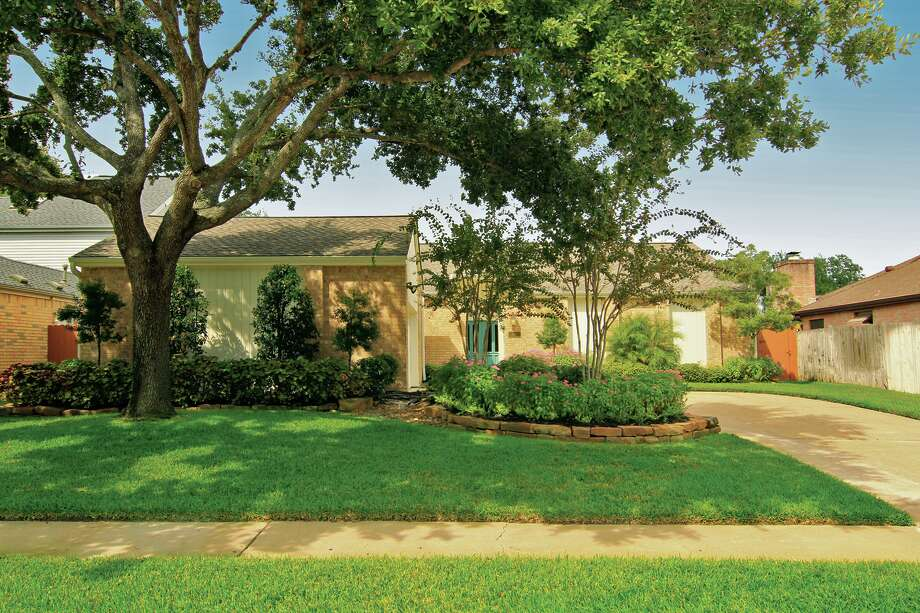 12306 Ella Lee | $279,000 | Heritage Texas Properties | Agent: Ann Knoche | 281.493.3880 | Photo: HTP