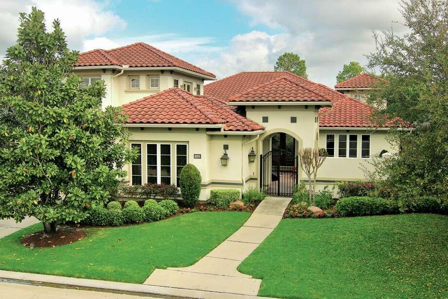 11430 Gallant Ridge  $875,000   Heritage Texas Properties   Agent: Brandey Heckeroth   281.679.0101   Photo: HTP