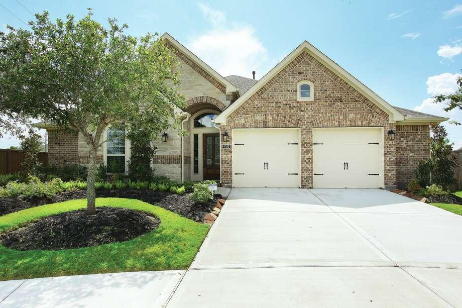 9903 Rochs Hill Ct| $269,900 | Heritage Texas Properties | Agent: Berta Beard | 281.493.3880 | Photo: HTP
