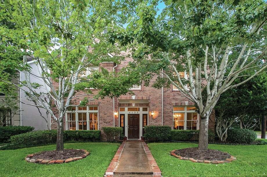 6135 Wakeforest| $1,019,000 | Heritage Texas Properties | Agent: Mary Rustay | 713.965.0812 | Photo: HTP / Sara Catherine Photography