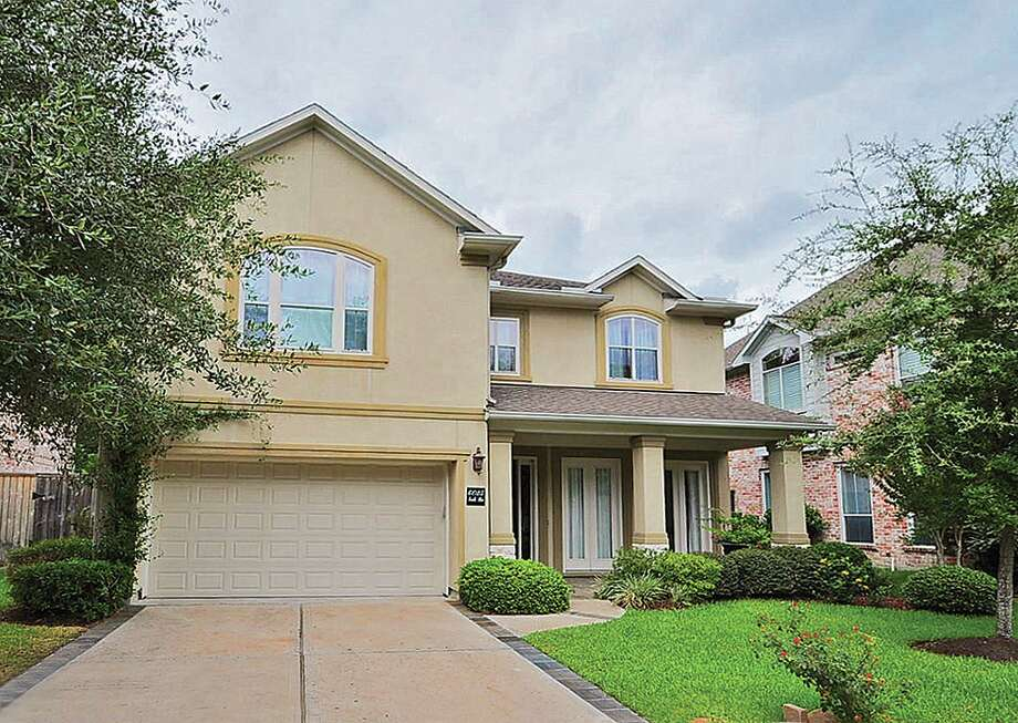 6025 S. Rice Ave| $659,000 | Heritage Texas Properties | Agent: Mike Gray | 713.965.0812 | Photo: HTP