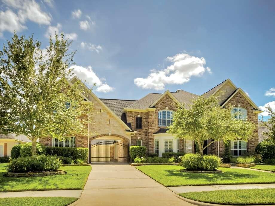 1714 Redstone Manor| $619,900 | Heritage Texas Properties | Agent: Tammy Hendricks Team | 281.440.1221 | Photo: Patrick Bertolino;Houston Real Estate Photographer, HTP / Copyright 2011 Patrick Bertolino