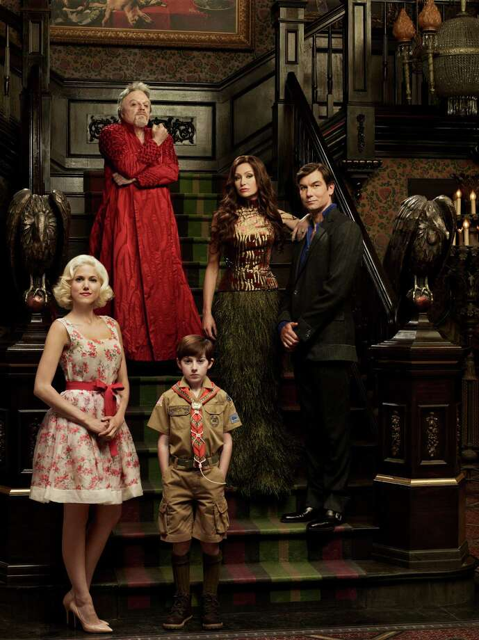MOCKINGBIRD LANE -- Pilot -- Pictured: (l-r) Charity Wakefield as Marilyn, Eddie Izzard as Grandpa, Mason Cook as Eddie Munster, Portia De Rossi as Lily Munster, Jerry O'Connell as Herman Munster -- (Photo by: Gavin Bond/NBC) Photo: NBC / 2012 NBCUniversal Media, LLC
