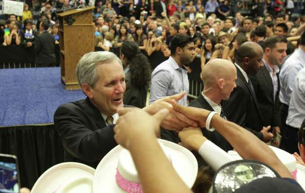Lloyd Doggett greets supporters following a Democrate rally with Former President Bill Clinton at South San High School in San Antonio. Thursday, Oct. 25, 2012. Photo: Bob Owen, San Antonio Express-News / San Antonio Express-News