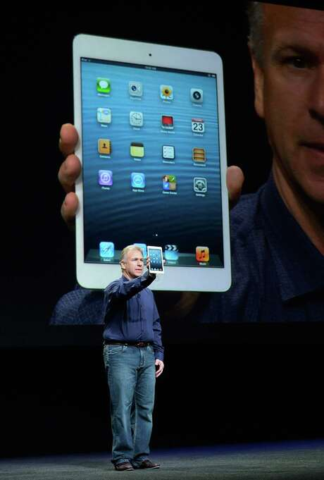 An Apple vice president, Phil Schiller, announces the new iPad Mini this week in San Jose, Calif. Photo: Kevork Djansezian, Staff / Getty Images North America