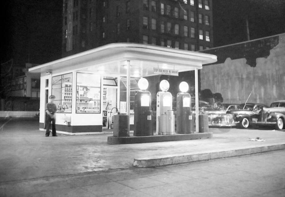 A downtown Seattle service station during an August 1942 blackout night. Photo: MOHAI, Seattle-Post-Intelligencer Collection