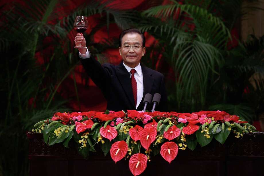 Chinese Prime Minister Wen Jiabao toasts guests at banquet marking the 63th anniversary of the People's Republic of China. Records show his relatives have prospered during his tenure. Photo: Feng Li, Staff / Getty Images AsiaPac